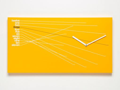 hodiny na stěnu oranžové