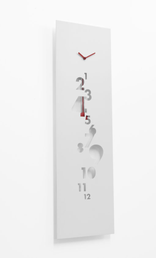bílé kyvadlové hodiny Swing