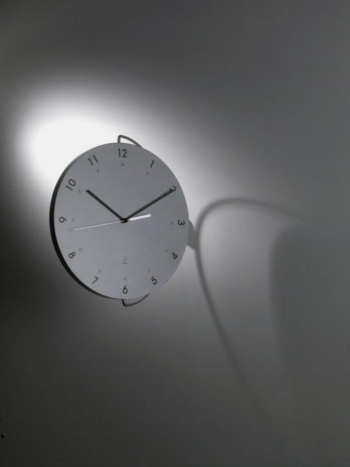 stříbrné nástěnné hodiny Tour