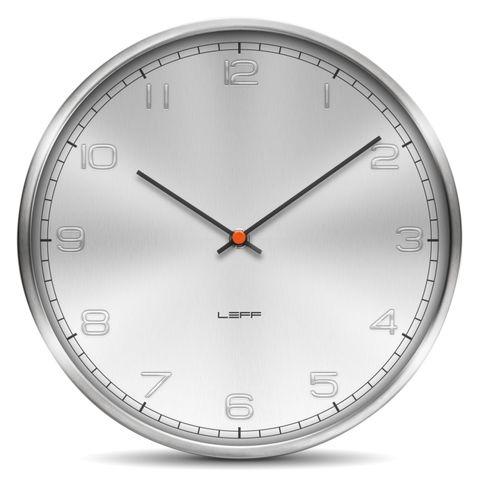 kovové hodiny nástěnné