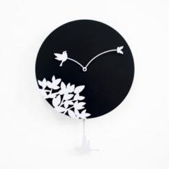 černé kyvadlové hodiny Little Bird Story