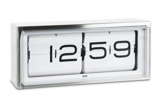 překlápěcí hodiny Brick s nerez rámečkem a černými číslicemi na bílém podkladu