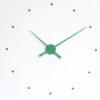 zelené designové hodiny Oj Nomon