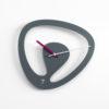 Seven - designové hodiny na stěnu šedé