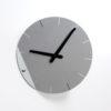 Designové nástěnné hodiny Sheet stříbrné