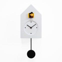 bílé kyvadlové hodiny dřevěné
