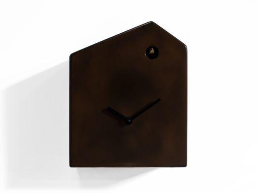 kukačky s povrchem z tekutého kovu mají jedinečný moderní design