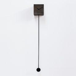 limitovaná edice kyvadlových hodin Bronzo s kovovým povrchem