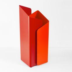deštníkový moderní stojan vyrobený z lakované oceli v designu Progetti
