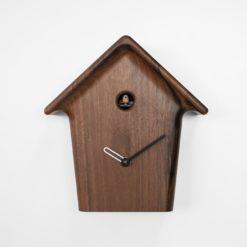 Luxusní designové kukačky z ořechového dřeva