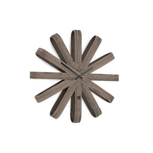 velké designové hodiny ze dřeva
